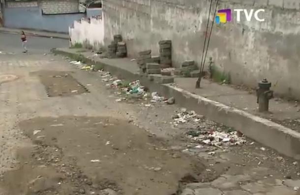 Vecinos de La Argelia exigen reparación de tambillo