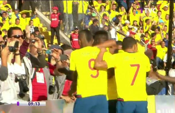 Árbitros chilenos pitarán partido entre Argentina y Ecuador