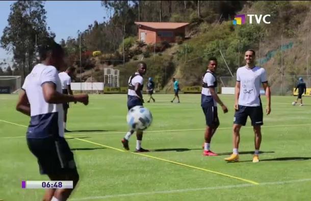 Gustavo Alfaro prepara su once titular para enfrentar a Argentina
